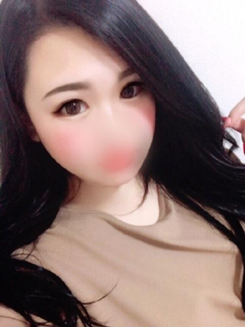 新崎エレナ